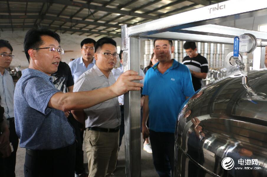 中国锂电新能源产业链调研团一行参观青岛海鑫达