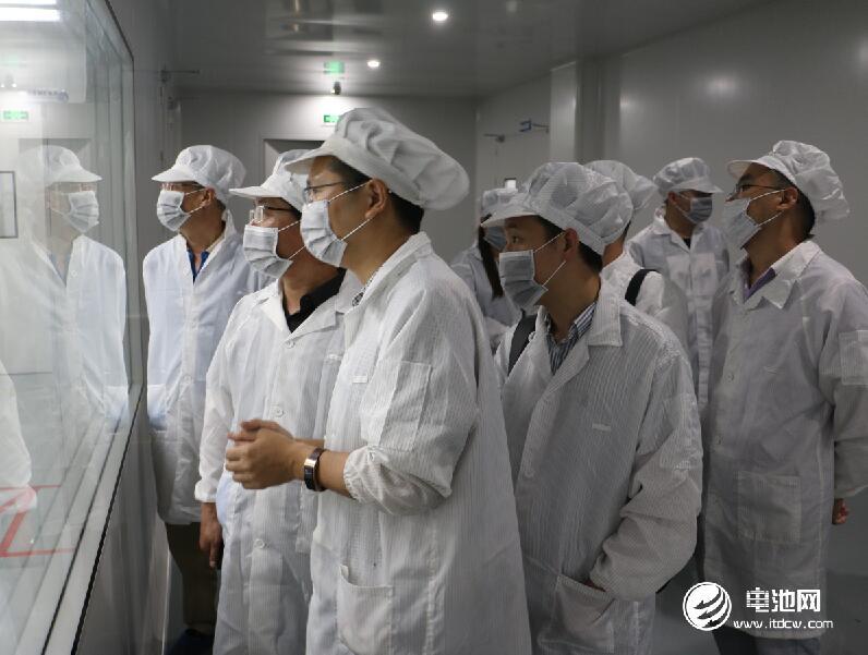 中国锂电新能源产业链调研团一行参观远东福斯特新能源江苏有限公司