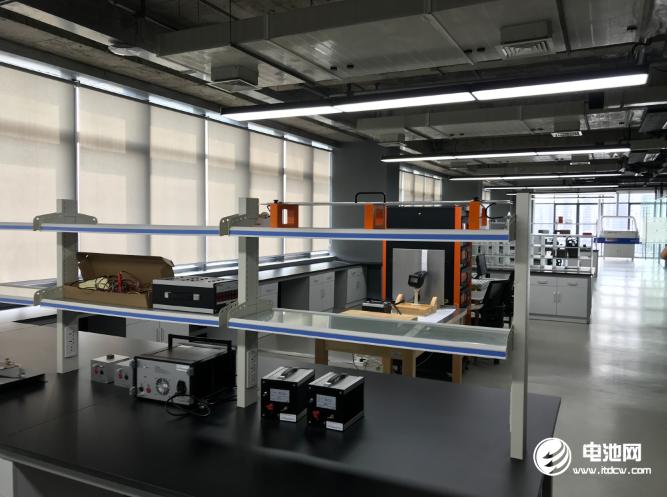 中关村电池联盟牵手中俄研究院 新型电池技术创新中心揭牌启动