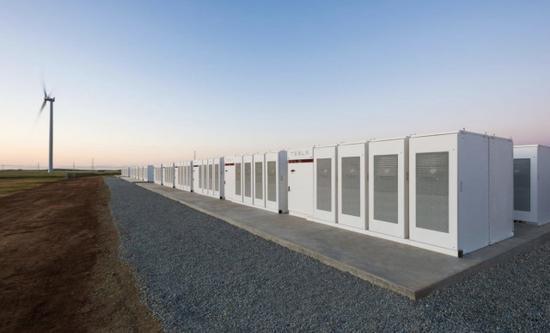 特斯拉在澳大利亚南部的锂离子存储电池