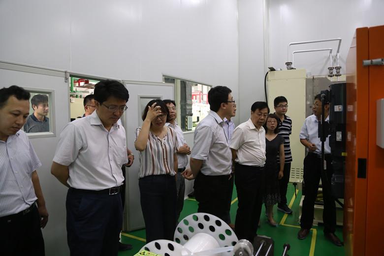 青岛市发改委李希琨副主任一行到青岛蓝科途参观调研