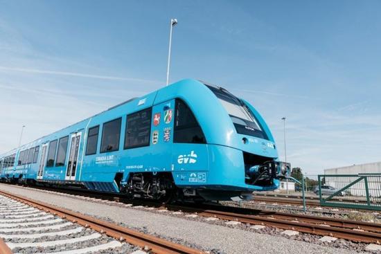 【燃料电池周报】雄韬氢雄年产10万套燃料电池系统一期投产 全球首列氢能列车在德商用
