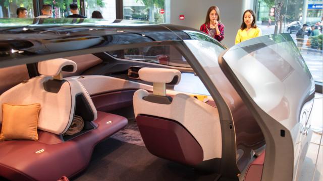 燃油车切换到新能源车尚需时日 车企亟须防备造血空窗期