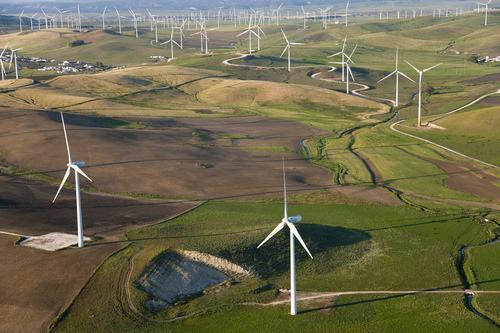 可再生能源发电规模持续扩大 到2020年根本解决消纳问题