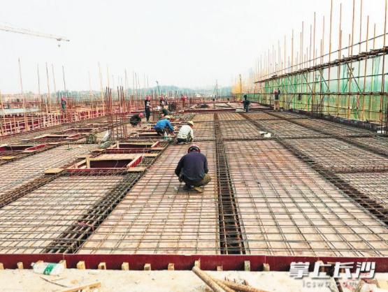 邦普10万吨动力电池循环产业园一期建设现场
