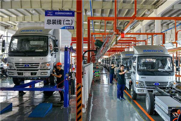 超威电动汽车生产线