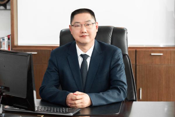 第8届(2018年)中国电池行业年度人物:胡柳泉