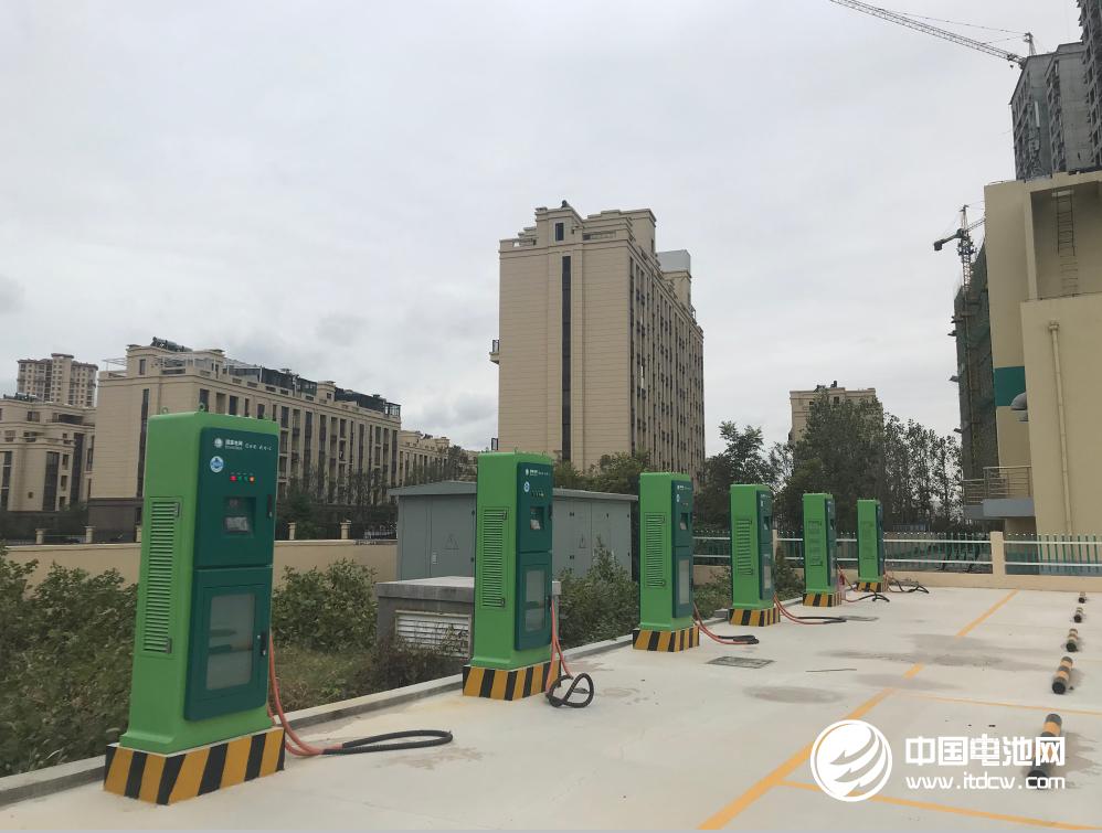 到2020年 南宁市要建成电动汽车充电站95座充电桩19220个