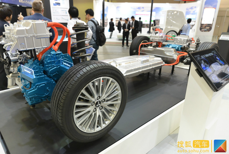 三菱汽车公司近日首次展示了其2019款欧蓝德 PHEV所使用的电池