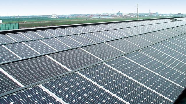 """新能源大规模应用需跨两座""""大山"""" 企业发力""""清洁能源+储能"""""""