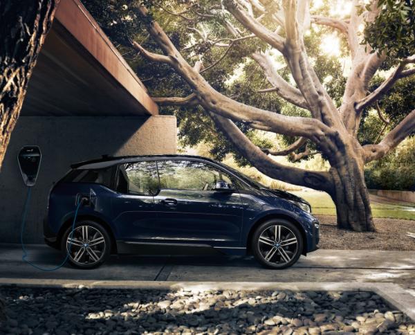 宝马集团11月全球电动车销量达14767辆 同比激增26.1%