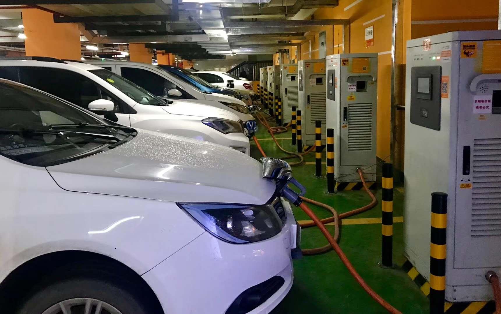 各地推进充电设施建设 充电桩行业发展正当时