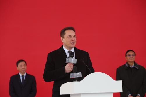 马斯克为啥在上海狂砸500亿元建超级工厂?