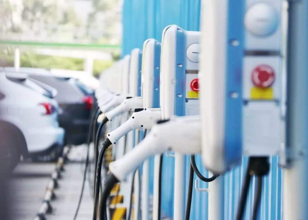 新能源补贴政策面临两难 退坡幅度可能较大