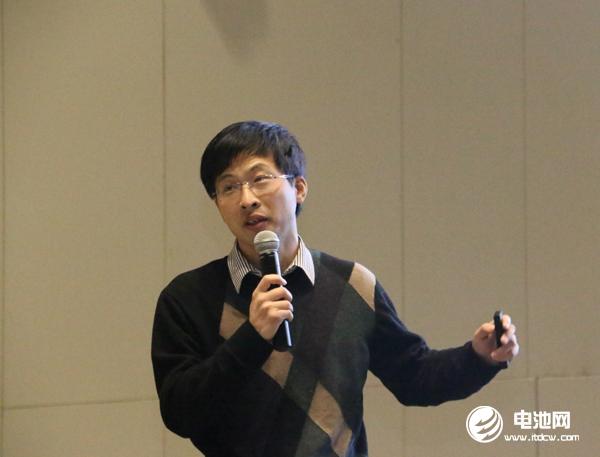 太原理工大学副教授、山西省新能源材料与技术重点实验室成员张鼎