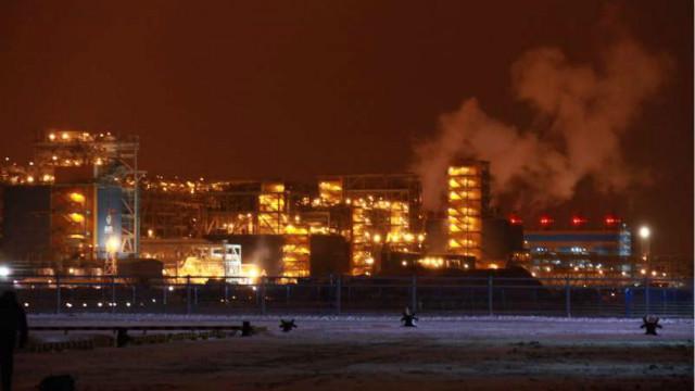 国际石油巨头去年成绩亮眼 竞相布局电池等低碳业务