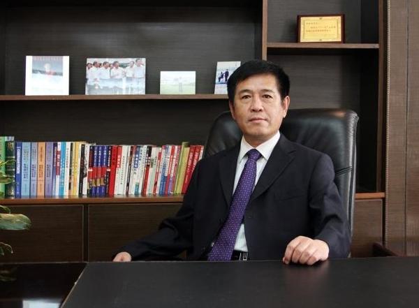 全国人大代表、中通客车董事长李树朋