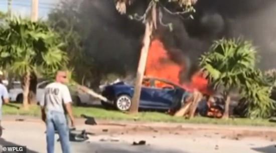 美国男子驾驶特斯拉遇车祸  一天后电池反复起火燃烧