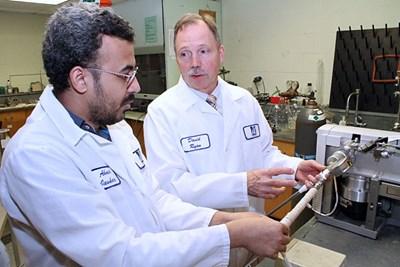 美国大学新技术:氢氧混合产生电力为各种尺寸燃料电池车供电