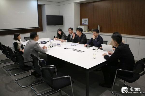中国电池新能源产业链调研团一行与蜂巢能源相关领导交流、座谈