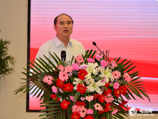原国家能源局副局长吴吟致辞