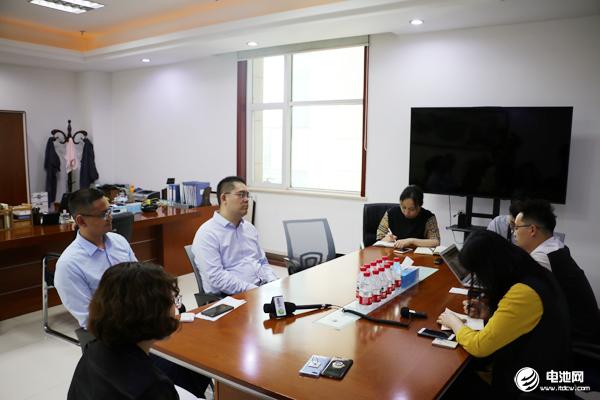 多氟多Betway必威体育董事长李云峰与总经理赵永锋接受电池网等媒体采访