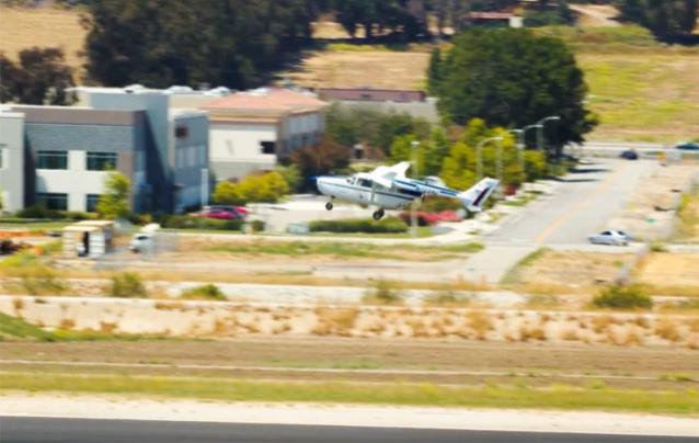 世界最大混合动力电动飞机首飞:行程可达160公里