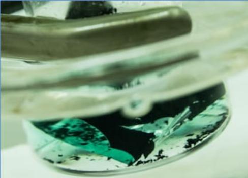 简化电池回收工艺 科学家利用溶剂从废旧电池中提取钴和锂