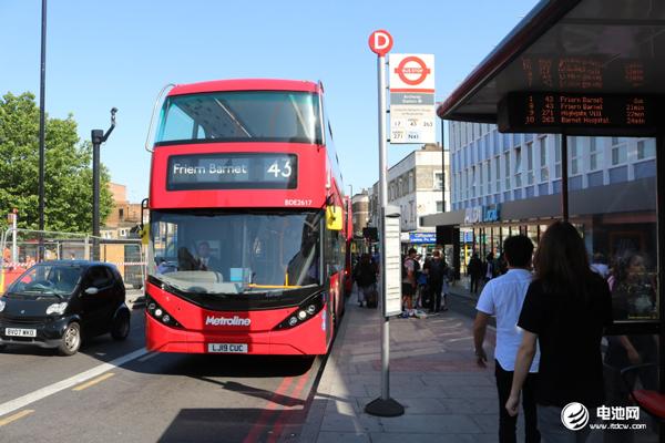 BYD ADL Enviro400EV 在伦敦43号公交线路驰骋