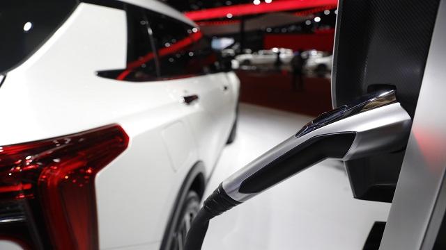 市场销量目标未过半  自主新能源汽车下半年冲量