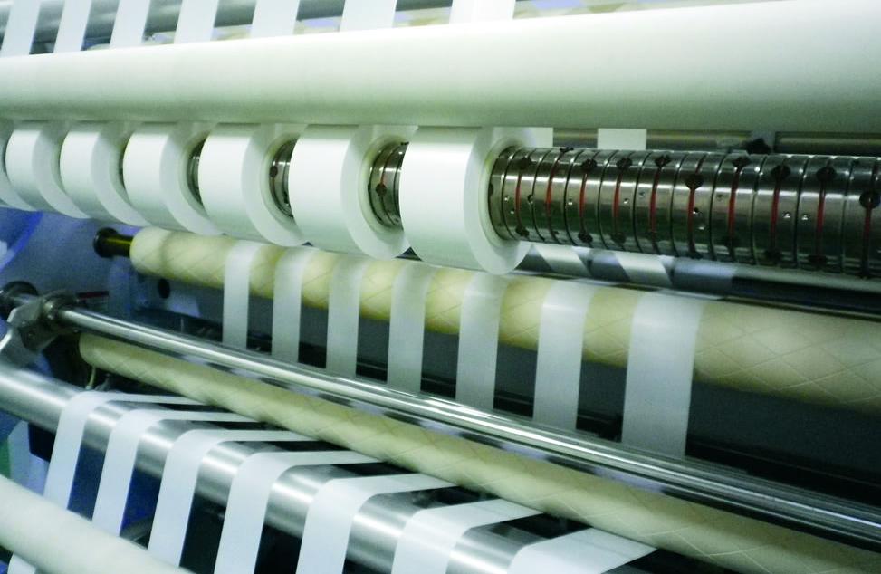 中材科技上半年净利6.52亿 年底锂电池隔膜产能将达9.6亿㎡
