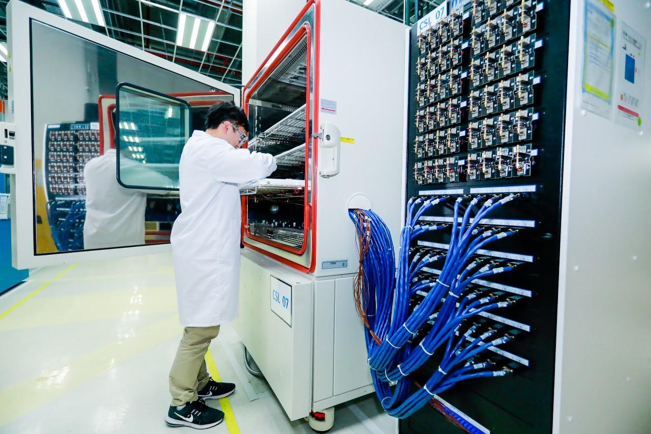 通用电池实验室 图/通用汽车