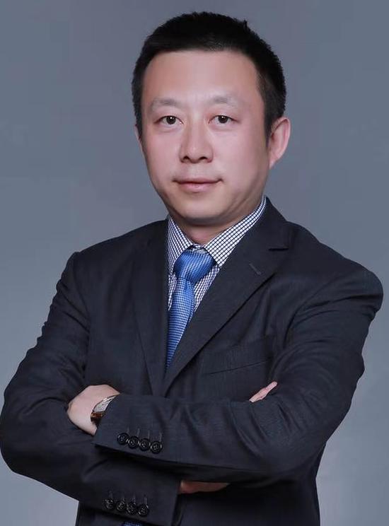 李黔,现任比亚迪股份有限公司董事会秘书及投资处总经理