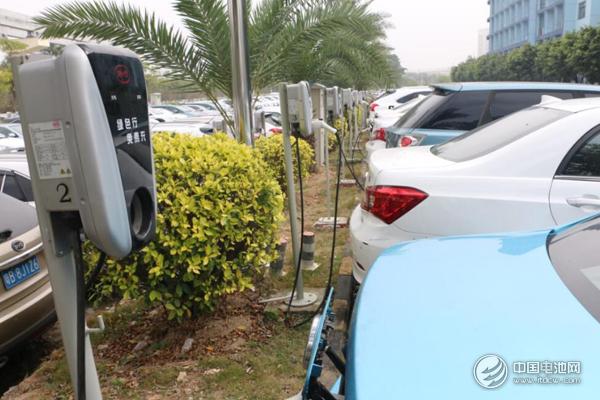 中国新能源汽车独领风骚 连续4年居全球新能源汽车产销第一