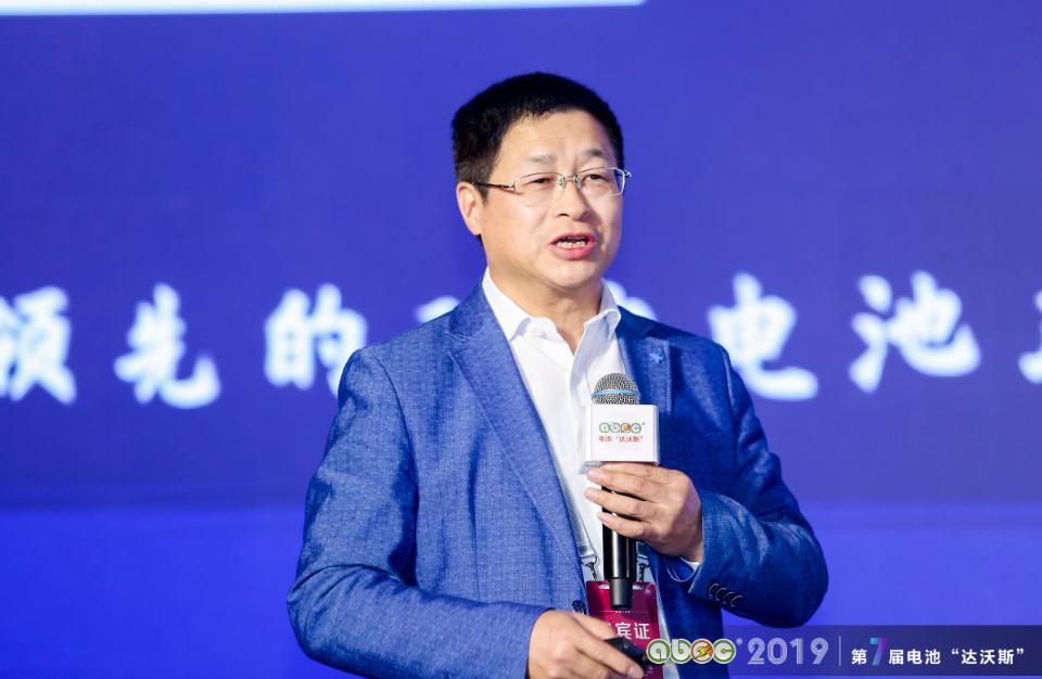 中国科学院上海硅酸盐研究所能源材料研究中心主任、研究员温兆银