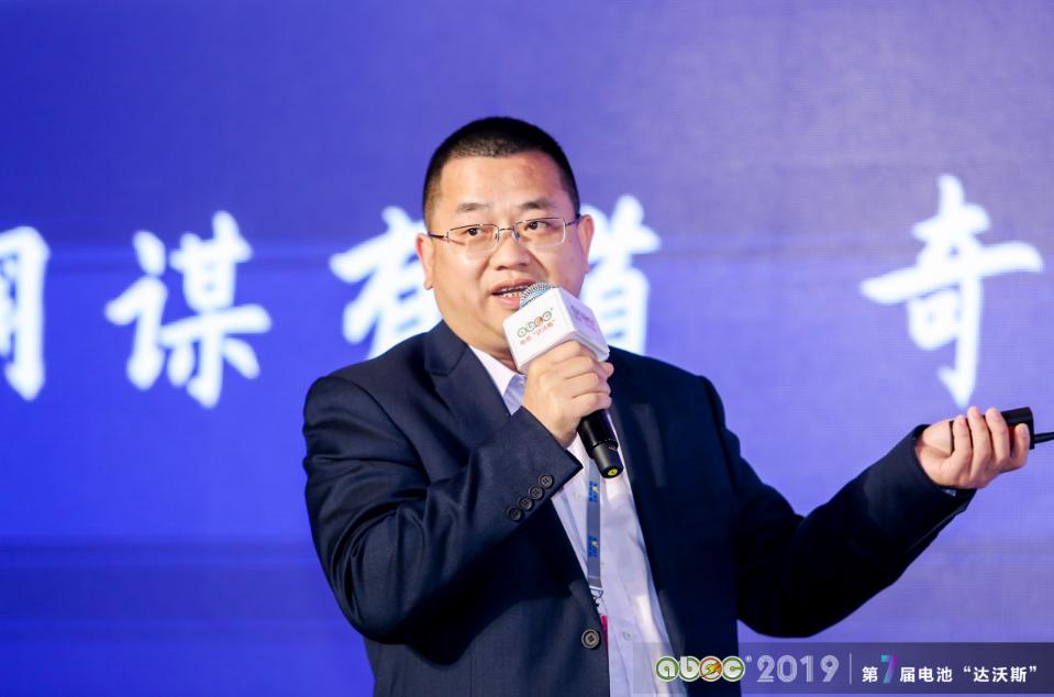 佛山市金银河智能装备股份有限公司董事、副总裁稂湘飞