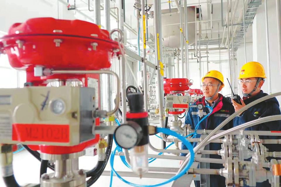 总投资1.64亿 大同新成2万吨汽车锂电池电解液项目进行测试