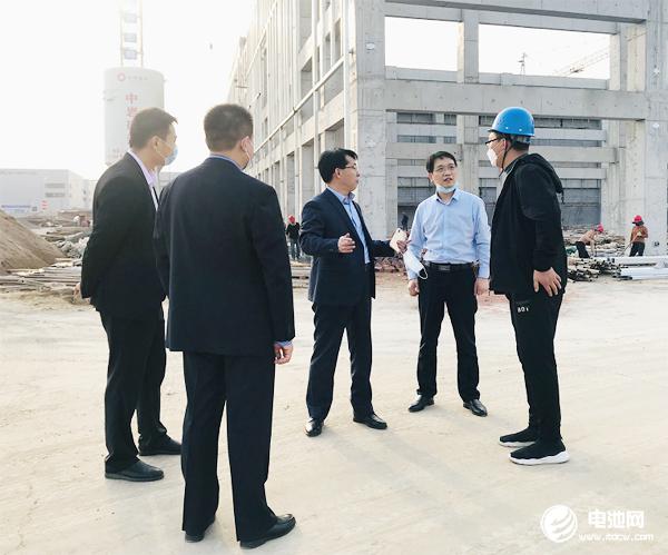中国电池新能源产业链调研团一行参观调研中国航天科工新能源产业园