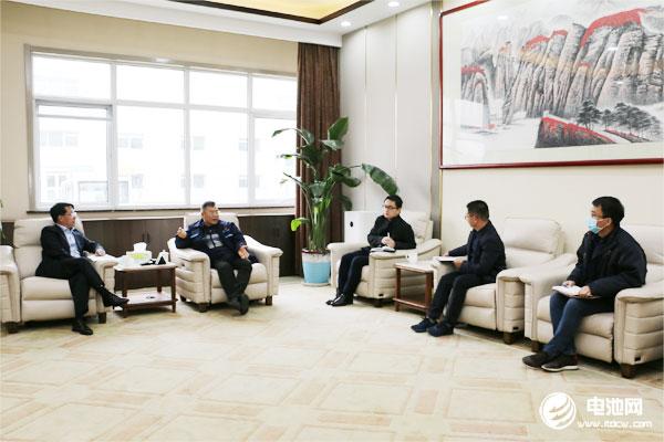 中国电池新能源产业链调研团一行与北汽新能源青岛事业部相关领导交流、座谈