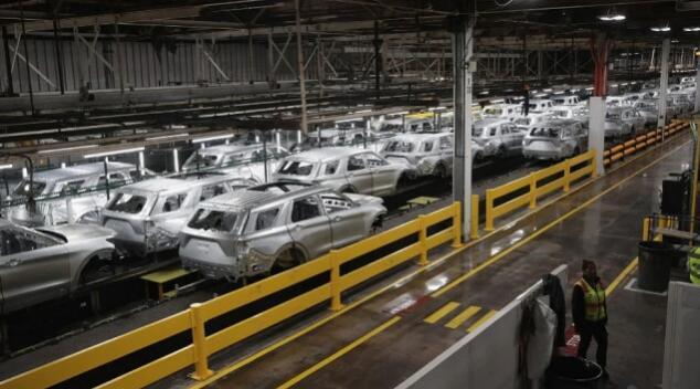 警惕第四波冲击 全球汽车供应链7月需求成今年关键风向标