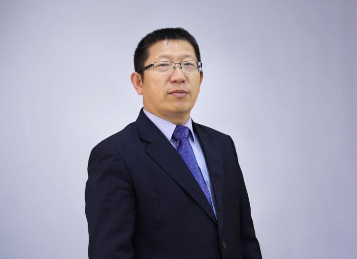 第10届(2020年)中国电池行业年度人物:何龙