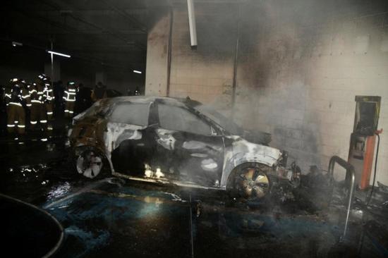 电池起火事故频发 电动汽车发展面临巨大挑战