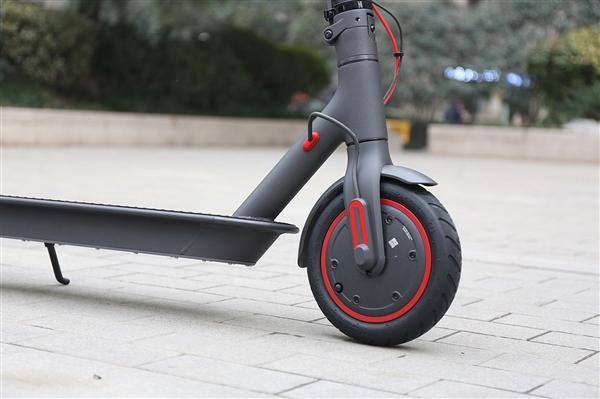订单大涨200% 中国电动滑板成欧洲最受欢迎交通工具