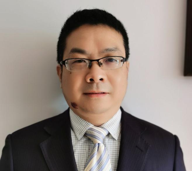远东电池有限公司副总经理邓龙征