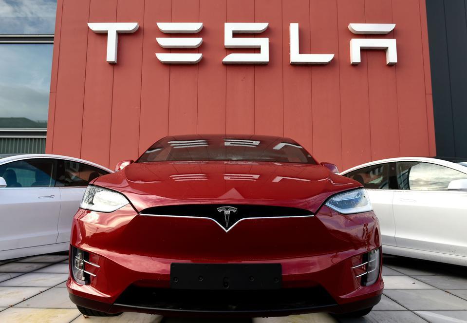 """特斯拉前董事会成员:特斯拉不会永远是电动汽车领域的""""王"""""""