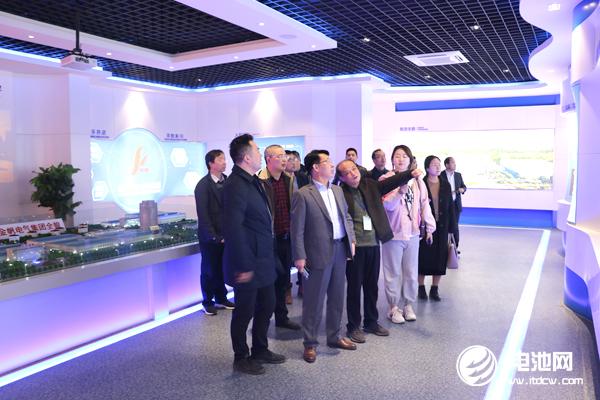 中国电池新能源产业链调研团一行参观考察江苏金帆