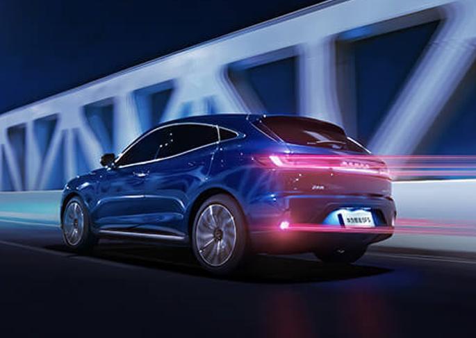 上半年新能源汽车上险量同比增长222% 华为助推赛力斯SF5翻了三倍