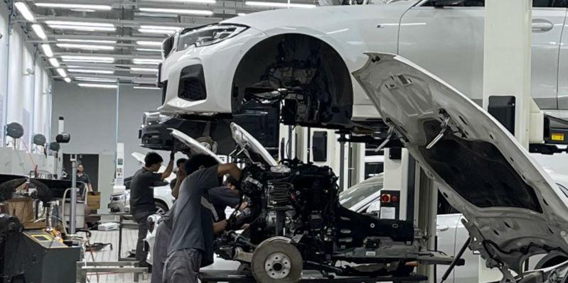 暴雨后的新争议:燃油车和电动车谁更安全?