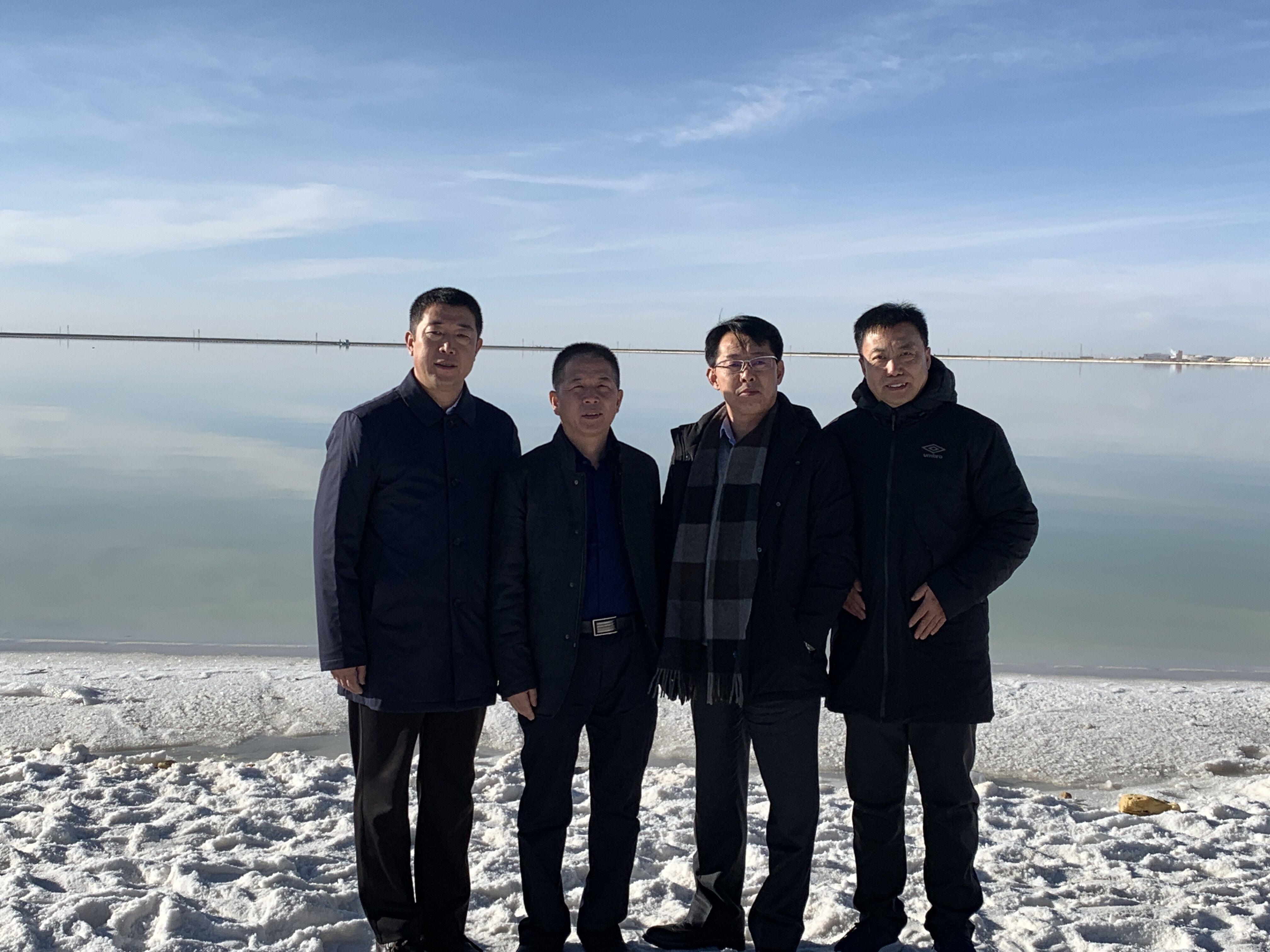 电池百人会理事长于清教一行调研考察青海察尔汗盐湖