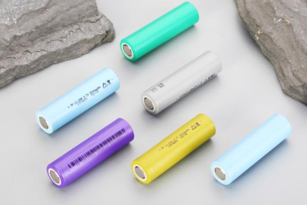 蔚蓝锂芯拟募资不超25亿扩产锂电池 前三季度净利预超4.97亿